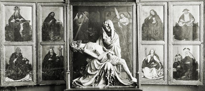 foto: nastawa baldachimowa zPietą zkościoła św.Elżbiety weWrocławiu – archiwum
