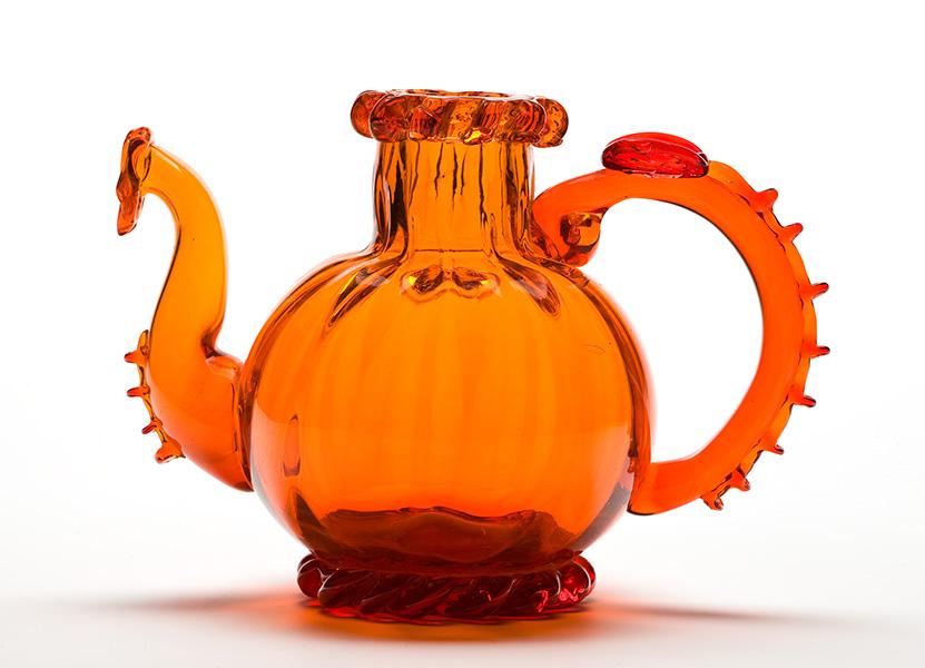 przezroczysty pomarańczowy czajnik