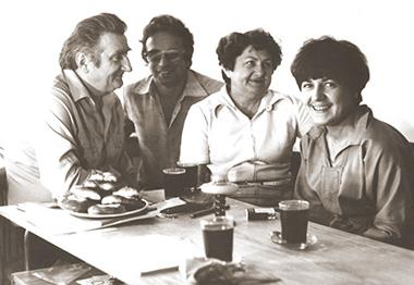 archiwalne zdjęcie 4 współpracowników