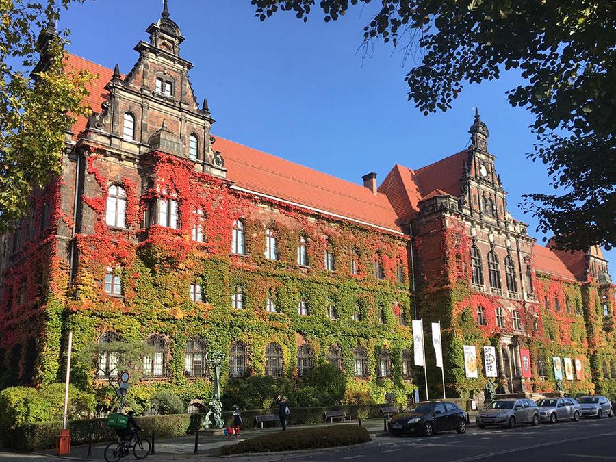 Gmach Muzeum Narodowego weWrocławiu