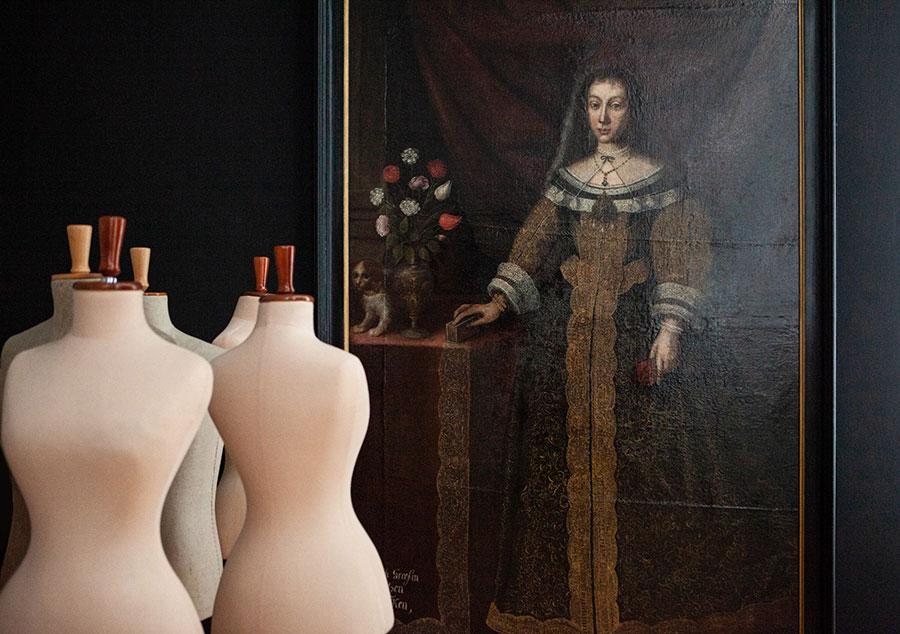 Przygoptowania dowystawy Galeria mody