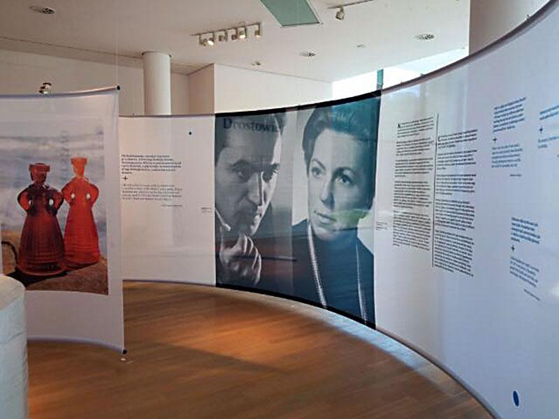 Wystawa Eryki iJana Drosów wGdyni